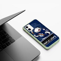 Чехол iPhone 11 матовый Toronto Maple Leafs цвета 3D-салатовый — фото 2