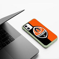 Чехол iPhone 11 матовый ФК Шахтер Донецк цвета 3D-салатовый — фото 2