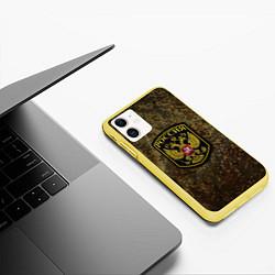 Чехол iPhone 11 матовый Камуфляж: Россия цвета 3D-желтый — фото 2