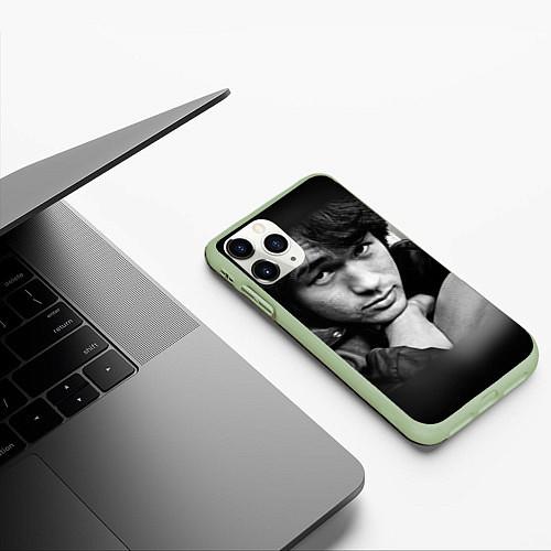 Чехол iPhone 11 Pro матовый Виктор Цой / 3D-Салатовый – фото 3