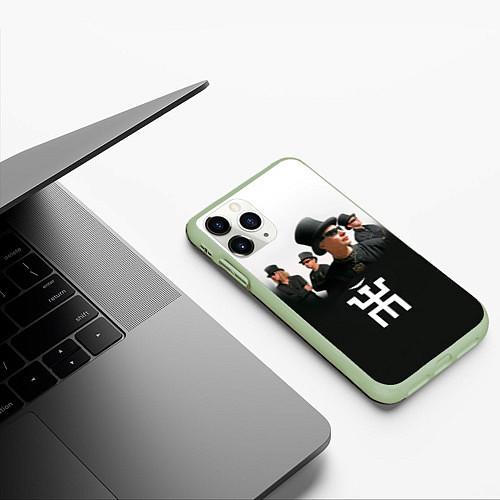 Чехол iPhone 11 Pro матовый Пикник / 3D-Салатовый – фото 3