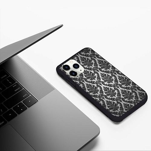 Чехол iPhone 11 Pro матовый Гламурный узор / 3D-Черный – фото 3