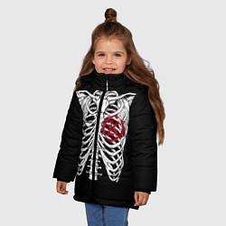 Куртка зимняя для девочки Кукрыниксы: Скелет цвета 3D-черный — фото 2