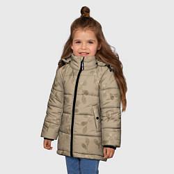 Куртка зимняя для девочки Листья на бежевом фоне цвета 3D-черный — фото 2