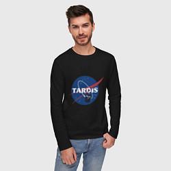 Лонгслив хлопковый мужской Tardis NASA цвета черный — фото 2