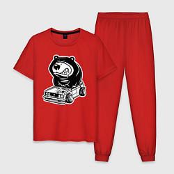 Пижама хлопковая мужская Медведь на жигулях цвета красный — фото 1