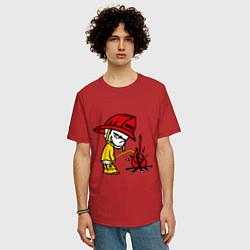 Футболка оверсайз мужская Ручной пожарник цвета красный — фото 2