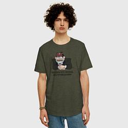 Мужская удлиненная футболка с принтом Потому что жизнь несправедлива, цвет: меланж-хаки, артикул: 10275115105753 — фото 2