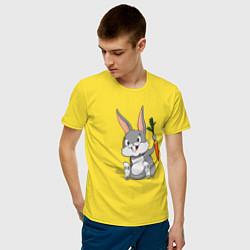 Мужская хлопковая футболка с принтом Зайка с морковью, цвет: желтый, артикул: 10101932300001 — фото 2