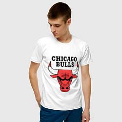 Футболка хлопковая мужская Chicago Bulls цвета белый — фото 2