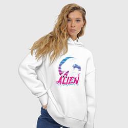 Толстовка оверсайз женская Alien: Retro Style цвета белый — фото 2