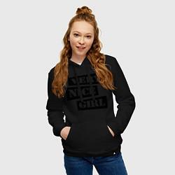 Толстовка-худи хлопковая женская Very nice girl цвета черный — фото 2