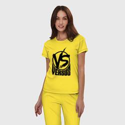 Пижама хлопковая женская Versus Battle цвета желтый — фото 2