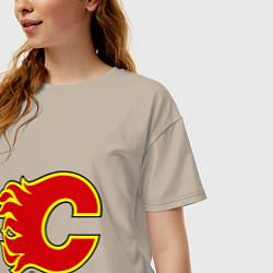 Футболка оверсайз женская Calgary Flames цвета миндальный — фото 2