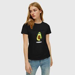 Женская хлопковая футболка с принтом Авокадо, цвет: черный, артикул: 10274658100002 — фото 2