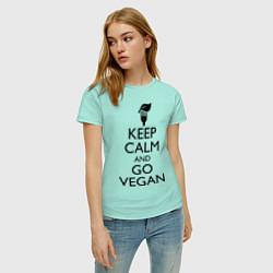 Футболка хлопковая женская Keep Calm & Go Vegan цвета мятный — фото 2